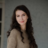 , :: София Валова