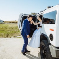 Свадебная прогулка :: Сергей Кишкель