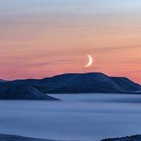 Светит месяц,светит ясный... :: Юрий Харченко