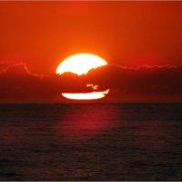 Закат на чёрном море Абхазия :: Андрей