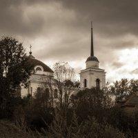 Тучи над храмом :: Alexander Petrukhin