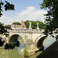 Вид на Мост Святого Ангела (Ponte Sant'Angelo) :: Елена Павлова (Смолова)
