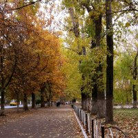 Прогулки по осеннему городу ( 2 ) :: Людмила