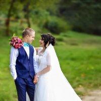 Семья – это птица, в которой одно крыло – муж, а другое – жена. :: Марина Демченко