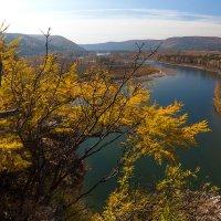 Река Иркут. Осенний этюд :: Анатолий Иргл