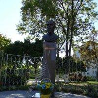 Памятник   Ивану   Пулюю   в   Ивано - Франковске :: Андрей  Васильевич Коляскин