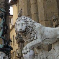 """Знаменитый """"Персей"""" с отрубленной головой Медузы-Горгоны.(1553 г.) и одна из двух фигур ль :: Елена Павлова (Смолова)"""