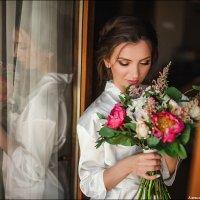 Утренние сборы - моя любимая часть свадебной фотосессии! :: Алексей Латыш