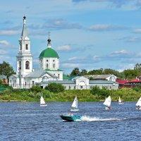 На реке Волге :: Oleg S