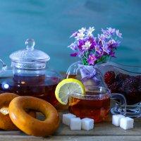 чай с баранками :: Юрий