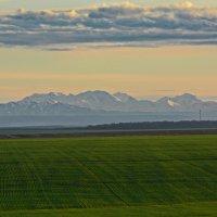 Горы на закате :: Петр Заровнев