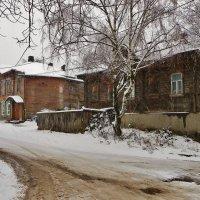 Мокрый снег ... Старые дворы . :: Святец Вячеслав