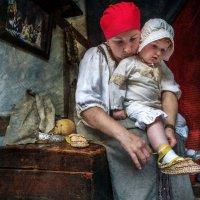 Я своей любимой дочке подарила лапоточки :: Ирина Данилова