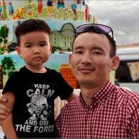 Знакомый парнишка с  сынишкой. :: Anatol Livtsov