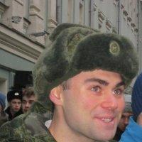 Солдат молоденький в ушанке новенькой :: Дмитрий Никитин