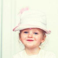 А шляпка то... от куклы:) :: Екатерина Саблина