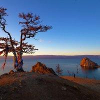 Вечер на берегу священного озера :: Анатолий Иргл