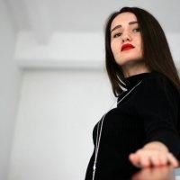 Black is always elegant. :: Margarita