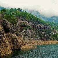 Там,где горы обнимаются с небом... :: Sergey Gordoff