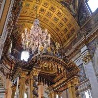 В  храме Святого  Павла :: Виталий Селиванов