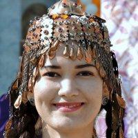 Таинственная женщина Востока... :: Евгений Юрков