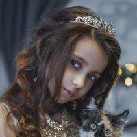 Девочка с кошкой :: Елена Логачева