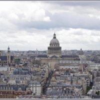 Крыши Парижа.. Вид на Пантеон... :: Николай Панов