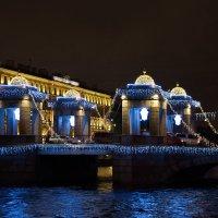 Мост Ломоносова в праздничном убранстве :: Валентина Папилова