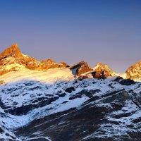 рассвет окрасил гор вершины :: Elena Wymann
