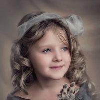 Девочка с вербой :: Татьяна Скородумова