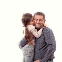 Папуля, папочка, я так тебя люблю! :: Николай Хондогий