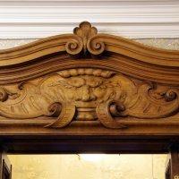 Детали дубовой двери внутренней отделки :: Валерий Новиков