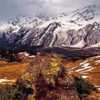 Вид на Чегет, поселок Терскол, Баксанское Ущелье :: Вячеслав Ложкин