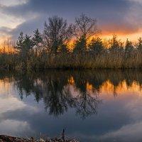 Огненный закат. :: Владимир M