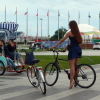 Велосипедистка :: Ольга Зубова