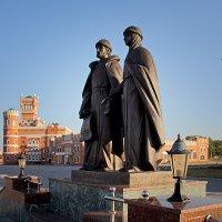 Памятник Петру и Февронии. Йошкар-Ола :: MILAV V