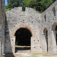 Руины церкви в Бутрини :: Яна Чепик