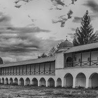 В Тихвинском монастыре :: Александр Малышев