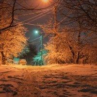Первый снег... Поздний вечер... Дорога... :: Сергей