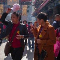 Китайские туристы в Гонконге :: Sofia Rakitskaia