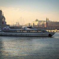 Москва в дымке :: Андрей Бондаренко