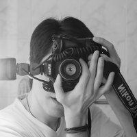 selfshot :: Pasha Zhidkov