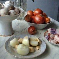 Сало,  цибуля та часник - смачно і корисно!:) :: Нина Корешкова