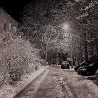 Зимний вечер в городке :: Наталья Лунева
