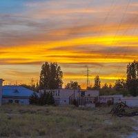 Заводской пейзаж прошедшего лета ... :: Пётр Сухов