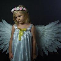Грустный ангел :: Сергей