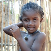 Девочка из деревни Бекупака :: Евгений Печенин