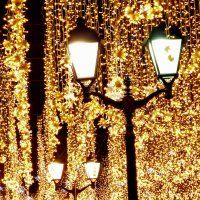 Золото Новогодних фонарей :: Александр Запылёнов