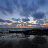 Закат над Каспием. :: Александр Гризодуб