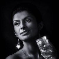 Дама с бокалом... :: Андрей Войцехов